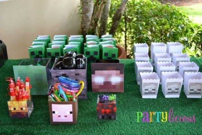 Minecraft Birthday Party Favor Ideas www.spaceshipsandlaserbeams.com
