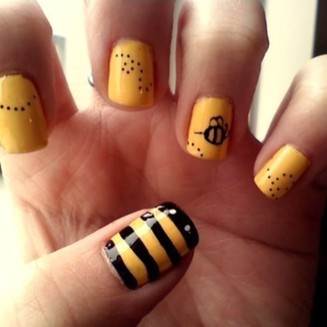 Best 25 bumble bee nails ideas on pinterest pencil nails bumble bee nails prinsesfo Image collections