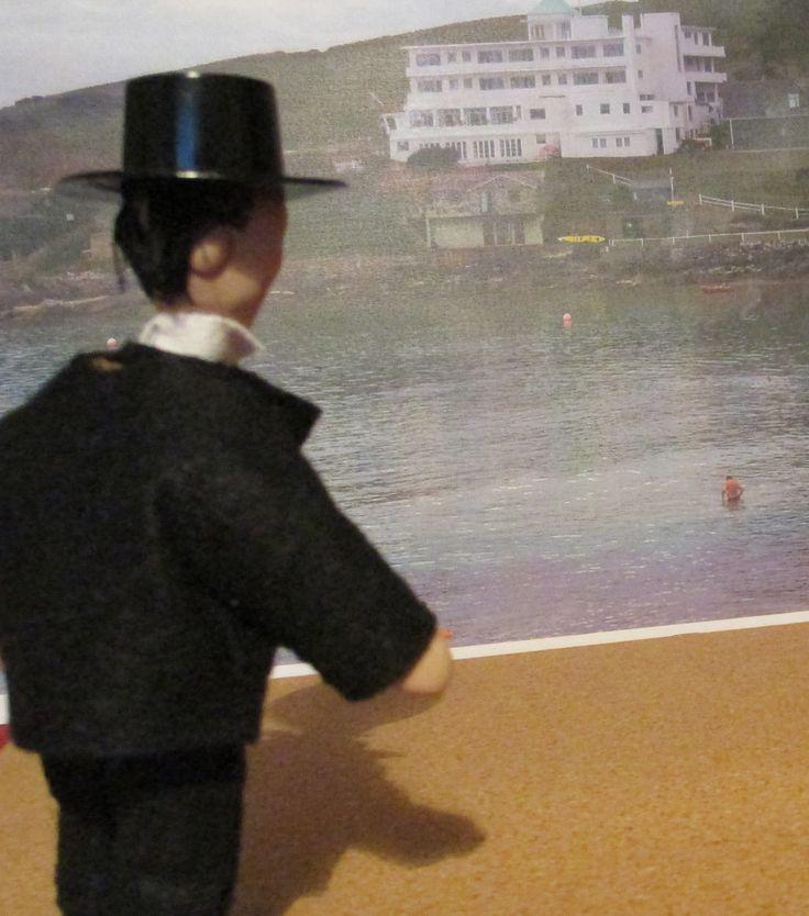 "Poirot: ""Gastinfs, this hozel is on the island!"" . my favorite scene od ""Evil under the Sun"""