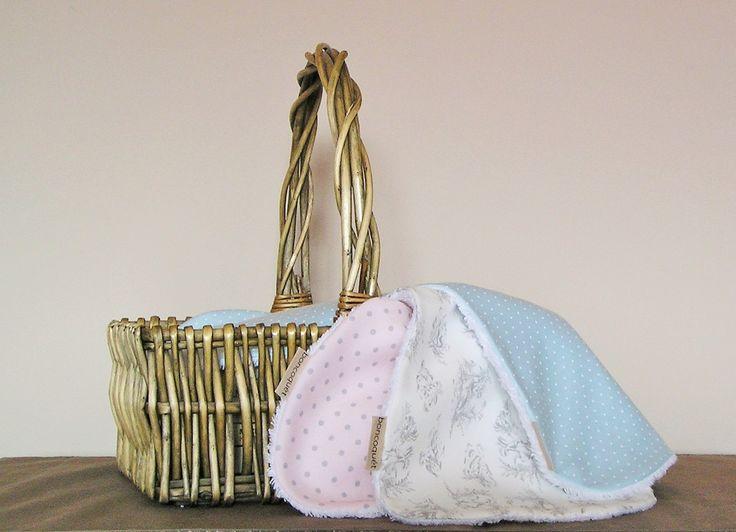 Complemento indispensable para los papis y mamis! Las toallitas de hombro, para la lactancia.