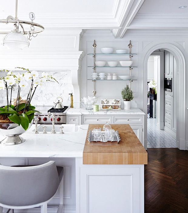 Lately there's one feature in kitchens that designers seem to be using over and over again: open shelves. Nothing creates an airy look faster (working in tandem with ample lower storage, of course), but if you don't have the space to dedicate an entire wall to displaying décor, or the time to keep them neat and …
