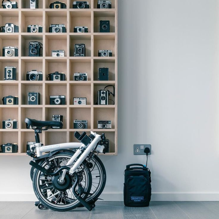 Brompton has unveiled its eagerly anticipated electric bike named (with little surprise) the Brompton Electric. But what does it do and how does it work? :: Head to the blog now for a need-to-know rundown. :: #citycycling #urbancycling #citybiking #bromptonelectric #bicicleta #bromptonbike #cycling #cyclingkit #brompton  #bromptonbicycle