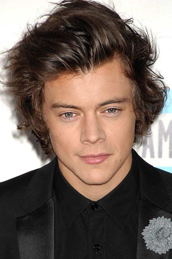 How To Rock A Harry Styles Haircut Menshaircuts Com Harry Styles Haircut Harry Styles Short Hair Medium Hair Styles