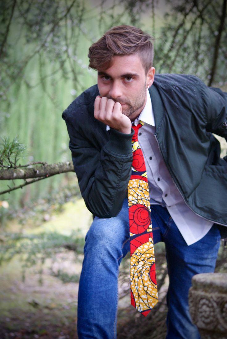 CORBATAS TELA AFRICANA WAX Colección 2017 Estas corbatas están elaboradas de forma artesanal, cortadas a mano una a una buscando el diseño del estampado más original y cosidas a mano para un acabado perfecto. Un regalo único para estas fiestas!