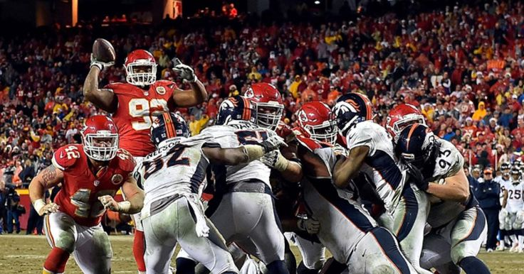Chiefs nose tackle Dontari Poe throws TD pass in win over Broncos #Sport #iNewsPhoto