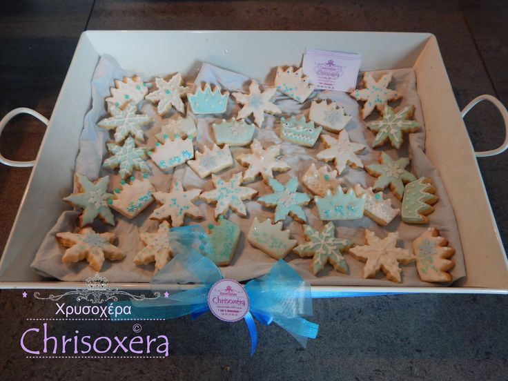 #Frozen #Birthday #Cookies #Giveaway #treats #Blue #White #Snowflake #Crown #Royal_Icing