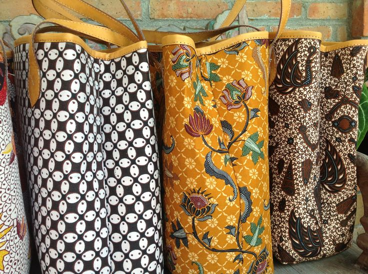 Utari Shopper Bag batik patterns. The Gurdo Batik pattern on the far right is still available. #djokdjabatik # batik