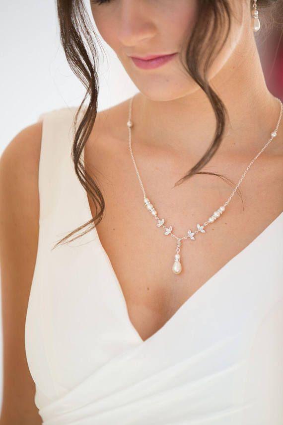 bba223fdccd3 Collar novia elegante Hoy te presentamos una selección de collar novia  elegante. Si estás buscando el collar de novia para ese día tan especial