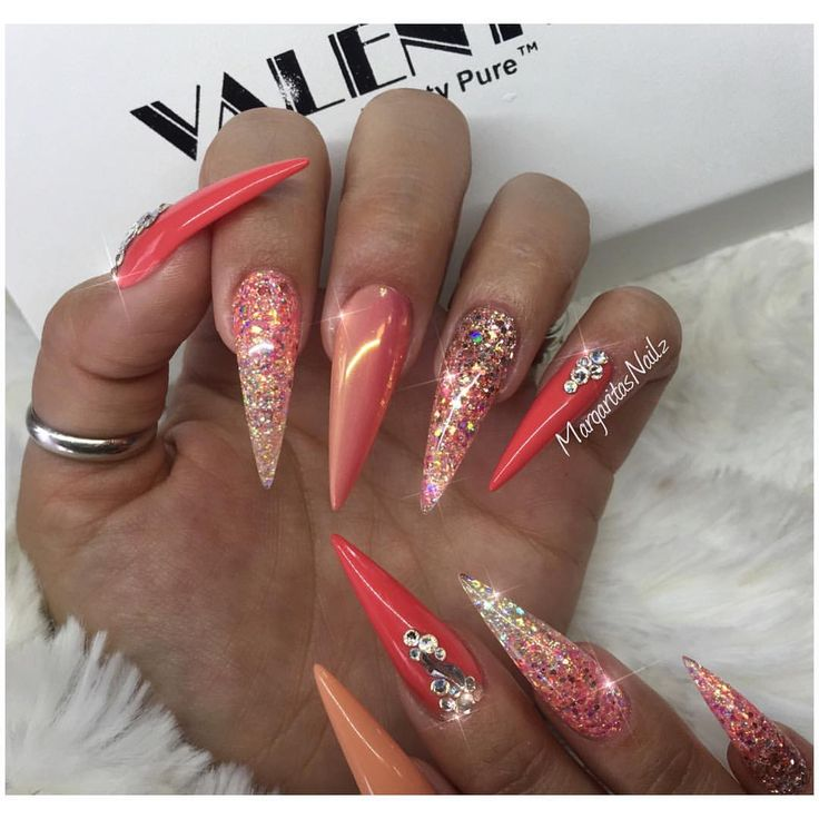 Coral chrome ombre stiletto nails rose gold nail art glitter ombré summer    #nails #glitter #stilettonails #nailart #MargaritasNailz #vetrogel#chromenails #nailfashion#ombrenails #nailswag#hairandnailfashion#nailedit#naildesign#nailprodigy#nailpromagazine #nailsofinstagram #nailaddict #nailstagram #nailtech #nailsoftheday#nailporn#chrome #nailsmagazine#nailpro #dustfreelife #nailideas#coralnails#springnails