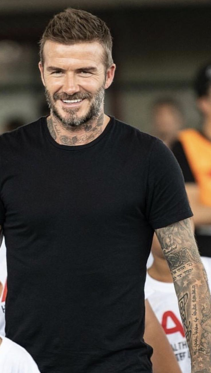 Pin By David Beckham On David Beckham In 2019 Pinterest