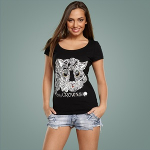 #lioness #Art #Print #Design #wear and #accessories #fashion #modern # style #look #lady #illustration #summer #shirt  http://pavelmaltsev.ru/photo/julia-grad-wear-accessories.php  Professional art printing for wear and accessories    http://juliagrad.tumblr.com/