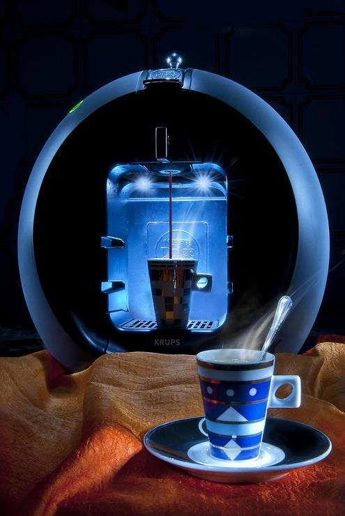 Una macchina da caffè dal design accattivante by Emanuele Solla @ http://adoroletuefoto.it