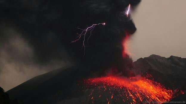 Although volcanic lightning is a rare phenomenon, the event occurs relatively frequently at Sakurajima, says Mr Szeglat (Credit: Marc Szeglat, www.volcanoes.de)