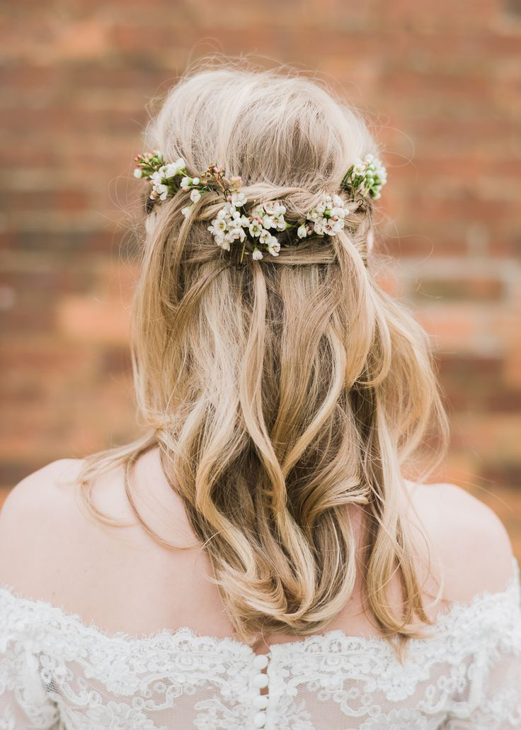 Tousled Bridal Hair With Fresh Flowers - North Hidden Barn For A Rustic Wedding With Festoon Lights And A Ceilidh With Groom In Kilt And Images From John Barwood Photography