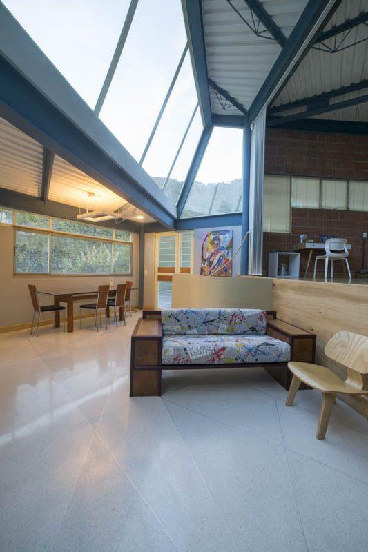 Casa Mondragon / Oficina Informal