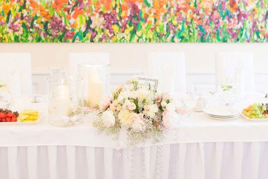 wedding, first look, love, soft, bride and groom, first moment, together, judyta marcol fotografia, fotografia ślubna, wedding photography, pierwsze spotkanie pary młodej, dodatki na ślub, pastelowe kolory, delikatne kolory, jasne, ślub w plenerze