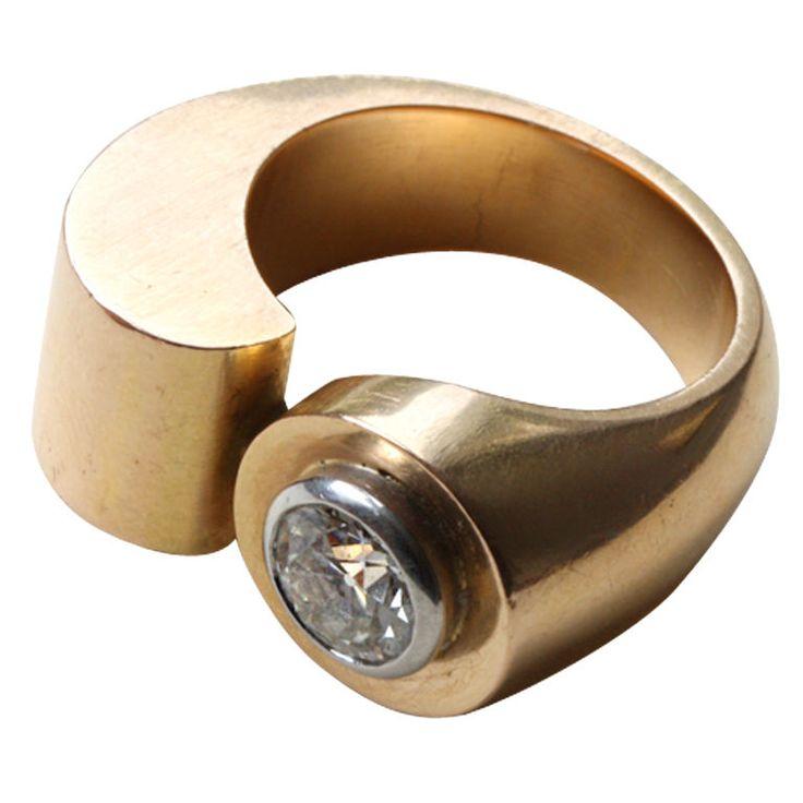 1935 RAYMOND TEMPLIER gold and diamond ring
