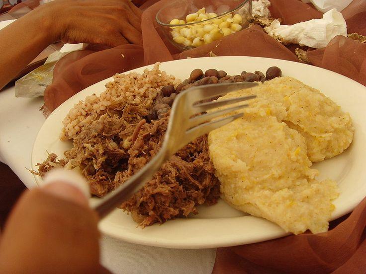 Seswaa avec bogobe : El seswaa es uno de los platillos tradicionales de Botsuana. ◆Botsuana - Wikipedia https://es.wikipedia.org/wiki/Botsuana #Botswana