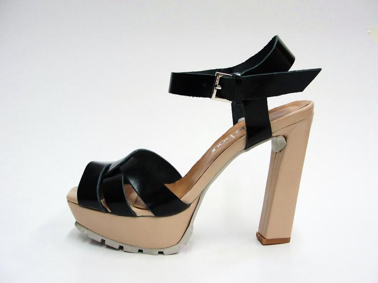 leather upper.  11,5cm heel.   2cm square front platform.