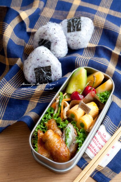 """Lunch of spring excursion ★ Yukari rice ball 