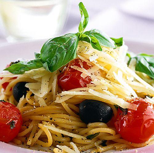 Pasta med grönsaker och parmesan | Recept.nu