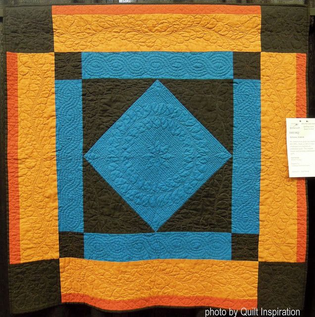 Arizona Amish by Ann Novak, hand quilted.  Photo by Quilt Inspiration.