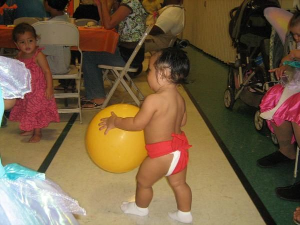 sumo diaper i made for my little sumo wrestlers halloween costume fast and