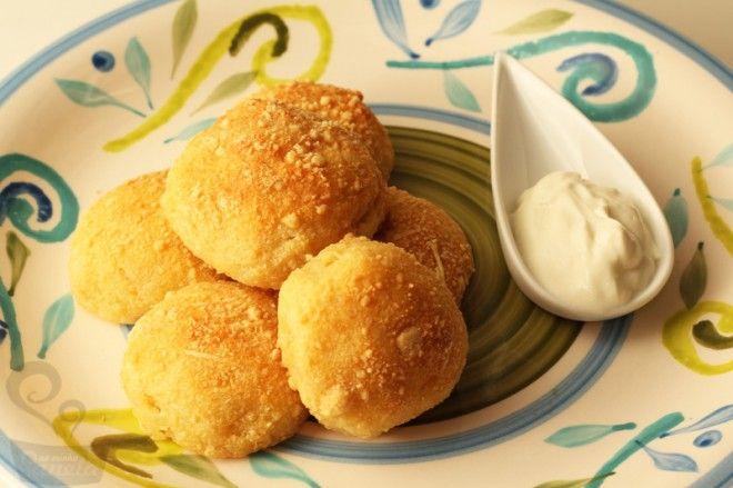 """""""pão de queijo"""" de mandioca"""
