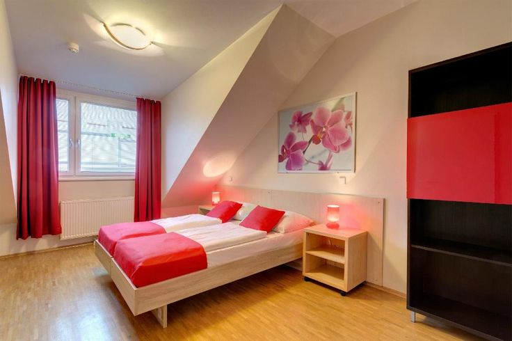 Book MEININGER Hotel Wien Hauptbahnhof, Vienna on TripAdvisor: See 234 traveler reviews, 146 candid photos, and great deals for MEININGER Hotel Wien Hauptbahnhof, ranked #16 of 196 specialty lodging in Vienna and rated 4 of 5 at TripAdvisor.