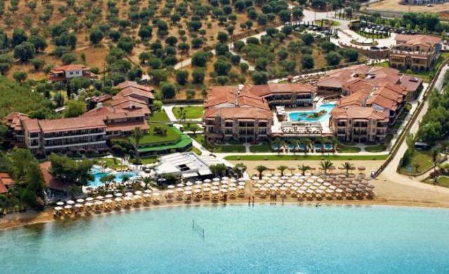 6% отстъпка за ранни записвания лято 2014 в Anthemus Sea Beach Hotel, Ситония, Халкидики. Лято 2014 в Гърция на втория ръкав на Халкидики - Ситония. Изхранване на база закуска и вечеря - резервирайте изгодно!
