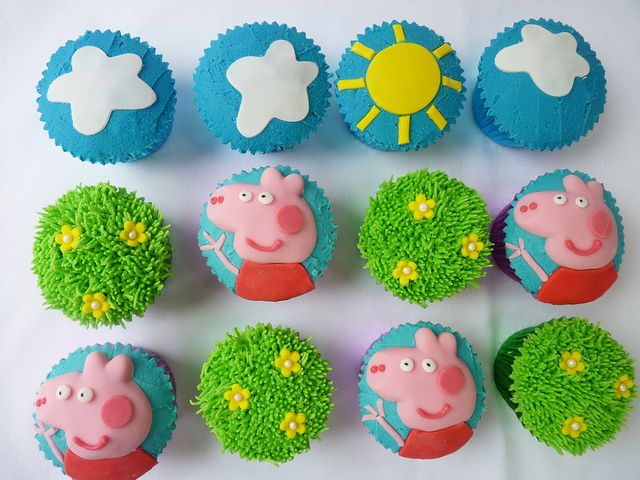 Peppa pig cupcakes by The Cupcake Fairy