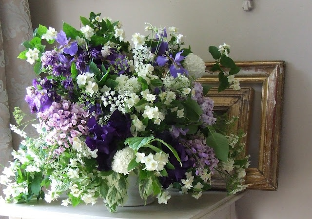 blue and white bouquet du jour     ...My French Country Home by Sharon Santoni