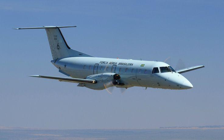 Avião da FAB faz pouso forçado no Galeão
