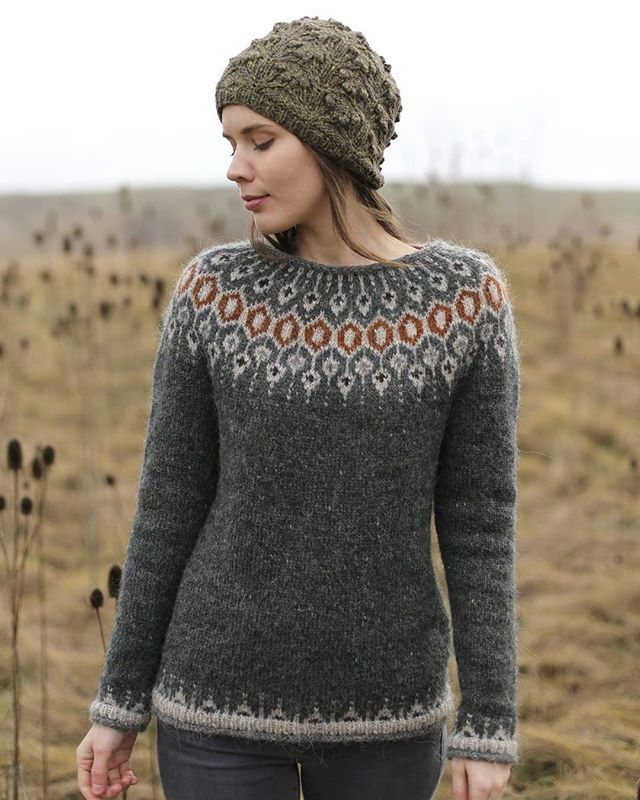 Ok, last Telja post for a while - just have to share this one: Colleen @postscriptlove's version of Telja, knit in Lett Lopi in Rough Sea - I love this color combo so much! So beautifully photographed in a meadow - more pictures on Ravelry. #knit #knitting #knittersofinstagram #lopapeysa #lettlopi #instaknit #knitstagram #strikking #slowfashion #knitwear #icelandic #wool