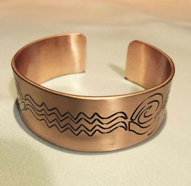 Handmade copper bracelet. Manually and machine engraved bracelet. Personalized design. ENGRAVING WORKSHOP