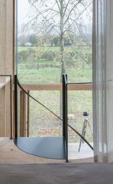 104 best images about ramen en deuren on pinterest villas daisies and ramen - Metalen trap design hout ...