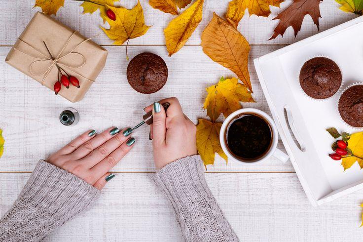 Самые модные оттенки лаков для ногтей сезона осень-2016 #ногти #красота #маникюр #лакдляногтей #мода #тренды