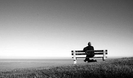 """Hayatın Tekdüze Yanı   Yazar : Burak Pınarcı Hayat bazen fazlasıyla sıkıcı ve yavaş ilerliyor olabilir.Oysa mutlu olunan her vakit zamanın ne kadar hızlı geçtiğini düşünürüz.Zamanımın hızlı geçen kısımlarının bol olması için elimden geleni yapmaya çabalarım.Mutlu olmak zor değil,kendi elimizde. Peki """"Bu tekdüzelikten kurtulmak için ne... #Kişiselgelişim  http://www.mornota.com/hayatin-tekduze-yani/"""