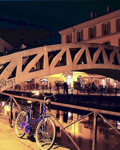 Blue #bike in Milan #Italy #navigli