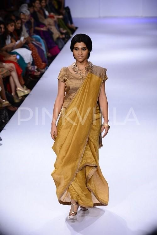 Konkona Sen Sharma walks for Anavila at LFW | PINKVILLA
