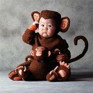waaa..baby monkey.. XD