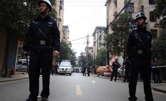 [Real]: Αδρές αμοιβές δίνει το Πεκίνο σε όσους καταδίδουν κατασκόπους   http://www.multi-news.gr/real-adres-amives-dini-pekino-osous-katadidoun-kataskopous/?utm_source=PN&utm_medium=multi-news.gr&utm_campaign=Socializr-multi-news