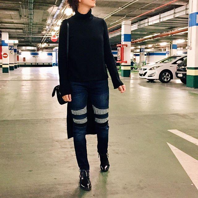 Reposting @analittlechic: Shopping afternoon... 🛍🎁🛍 Todo, menos el bolso, de otras temporadas... Jersey @zara  Pantalón @desigual  Botines @pullandbear  Bolso @zara. #shoppingafternoon  #shopping #tardedecompras #ootd #look #lookbook #lookoftheday #christmastime #cute #trendy #happy #streetstyle #style #moda #fashion #estilo #instadaily #instafashion #instalook #instalike #instagramers #instafollow #realoutfitgram