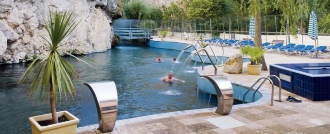 Jaraba. Hotel Balneario con Lago Termal. Válido en Agosto