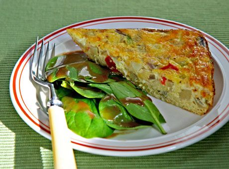 Egg-and-cheese-casserole-with-chayote-squash-and-green-chiles-slice