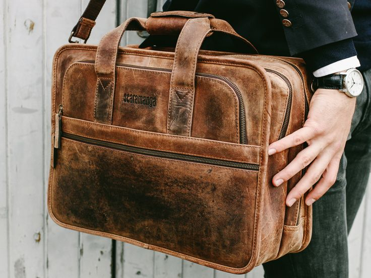 The Cityscape Laptop Bag is a great leather briefcase for men and women. Stylish and practical this leather bag for men will last for years to come. #giftsformen