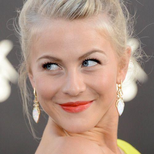 Koraalrode lippenstift is een grote hit. http://noemibeauty.tumblr.com/post/51710702320/koraal @Noemi Beauty