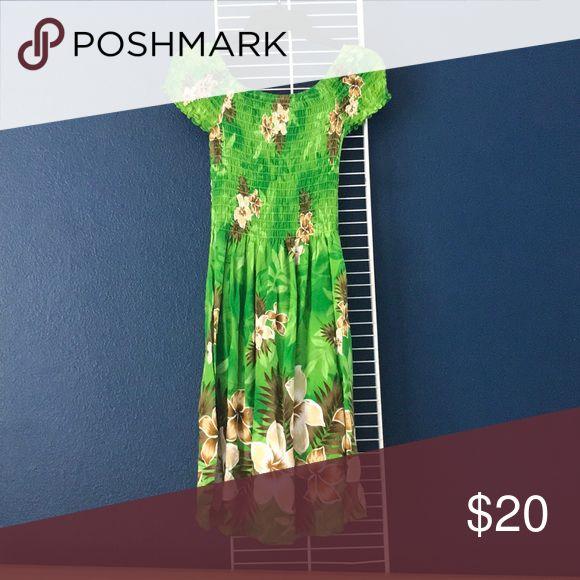 ALOHA FASHION Hawaiian-themed Dress (Green) NEW/ Not Used Green Hawaiian patterned dress Aloha Fashion Dresses
