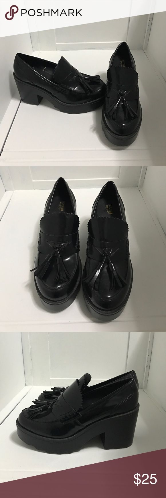 Black Chunky Loafer Heels Black heels super super cute, never worn, can fit 8.5-10. Tried them on and fit a bit big and i'm a size 8 but a friend tried them on and they fit her and she's a 8.5/9. Hopefully can get worn in by someone who can rock them (: OFFERS WELCOME 😊 Mossimo Supply Co Shoes Heels