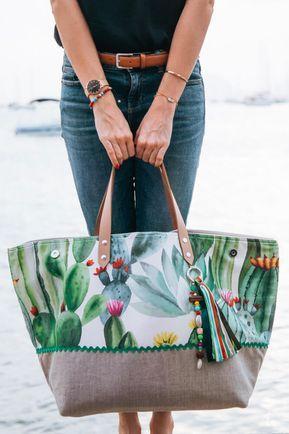 49a1a340cc Sac week end femme, sac de voyage tendance et coloré | projet sac à main |  Fabric tote bags, Patchwork bags, Couture sac
